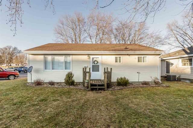 1211 W 9th St, Cedar Falls, IA 50613 (MLS #20210031) :: Amy Wienands Real Estate