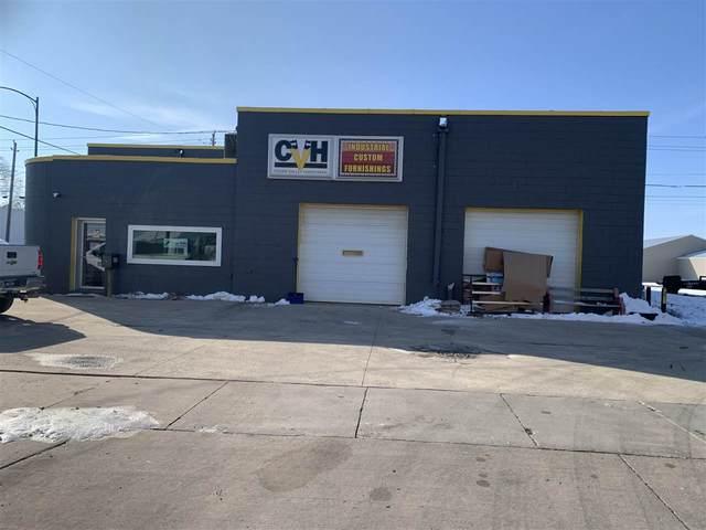 828 Commercial Street, Waterloo, IA 50702 (MLS #20210138) :: Amy Wienands Real Estate