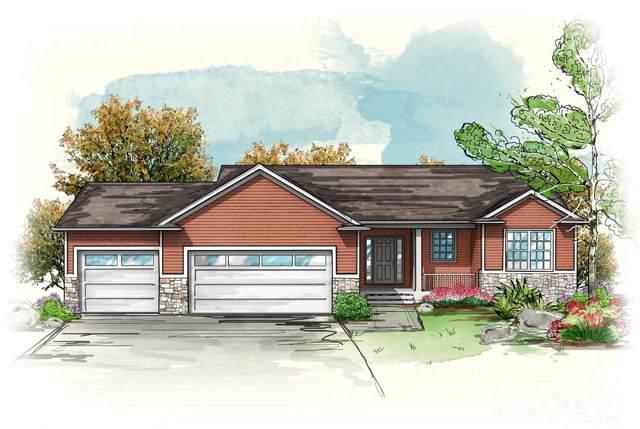 3014 Arbors Drive, Cedar Falls, IA 50613 (MLS #20210287) :: Amy Wienands Real Estate