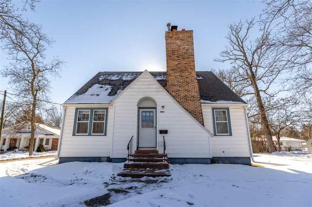 2523 Rainbow Drive, Cedar Falls, IA 50613 (MLS #20210298) :: Amy Wienands Real Estate