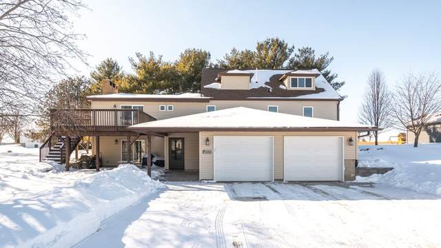 100 Vista Circle, Waverly, IA 50677 (MLS #20210533) :: Amy Wienands Real Estate