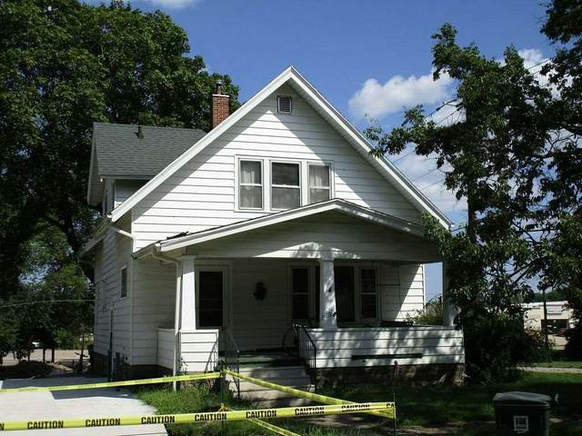 1722 Washington Street, Cedar Falls, IA 50613 (MLS #20210603) :: Amy Wienands Real Estate