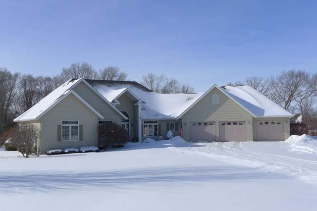 2115 Aspen Lane, Charles City, IA 50616 (MLS #20210625) :: Amy Wienands Real Estate