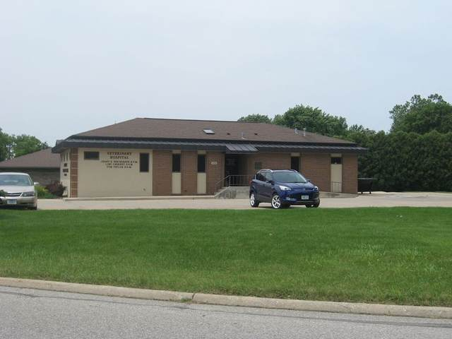 974 Home Plaza, Waterloo, IA 50701 (MLS #20210737) :: Amy Wienands Real Estate