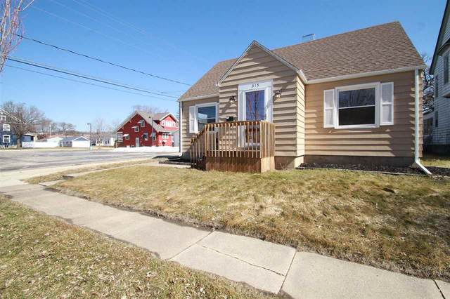 315 2nd Street Se, Waverly, IA 50677 (MLS #20210883) :: Amy Wienands Real Estate