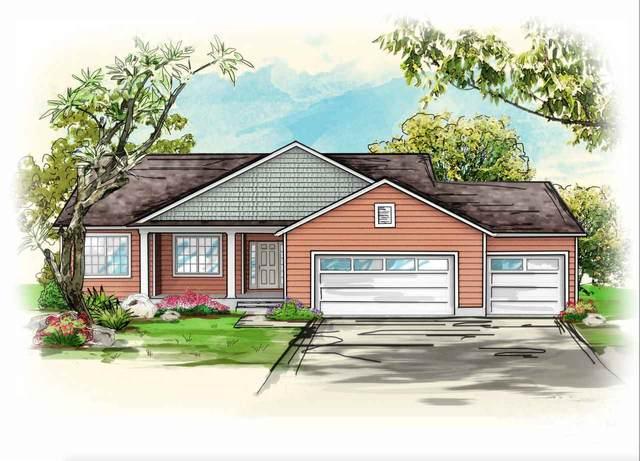 2721 Maple Grove Drive, Cedar Falls, IA 50613 (MLS #20211078) :: Amy Wienands Real Estate