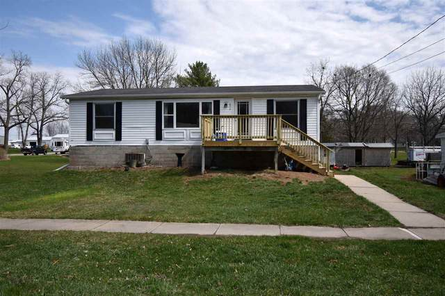 802 Nelson Ave. N.E., Independence, IA 50644 (MLS #20211239) :: Amy Wienands Real Estate