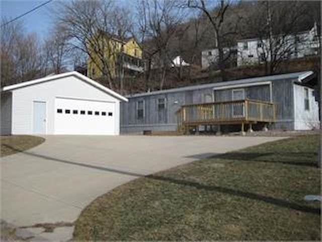 170 Shaw Street, Lansing, IA 52151 (MLS #20211391) :: Amy Wienands Real Estate