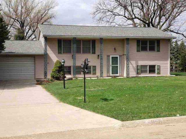 5050 Eldora Court, Waterloo, IA 50701 (MLS #20211405) :: Amy Wienands Real Estate
