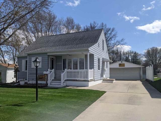 1728 Howard Avenue, Waterloo, IA 50702 (MLS #20211462) :: Amy Wienands Real Estate