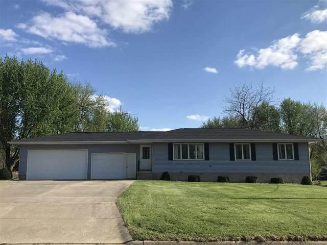 401 E Washington Street, New Hampton, IA 50659 (MLS #20211937) :: Amy Wienands Real Estate
