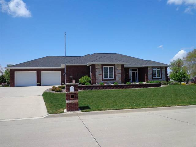 605 NE 15th Avenue, Independence, IA 50644 (MLS #20211965) :: Amy Wienands Real Estate