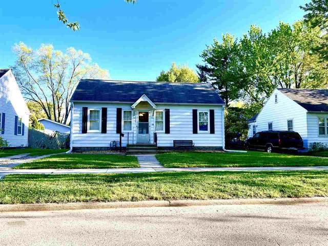 1206 Hawthorne Avenue, Waterloo, IA 50702 (MLS #20212001) :: Amy Wienands Real Estate