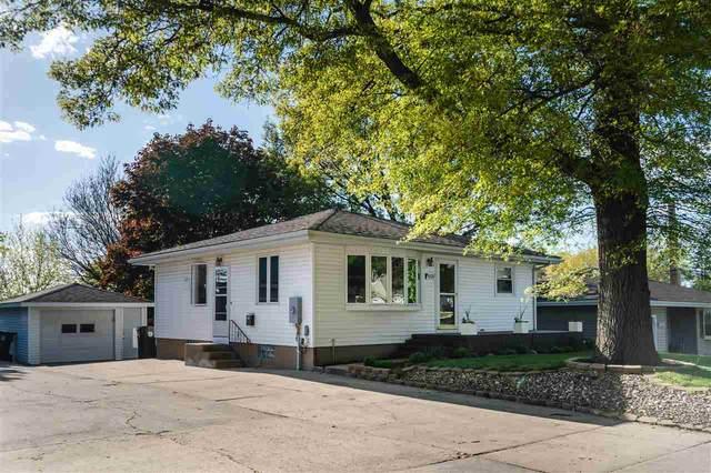 1909 Elmwood Avenue, Cedar Falls, IA 50613 (MLS #20212003) :: Amy Wienands Real Estate