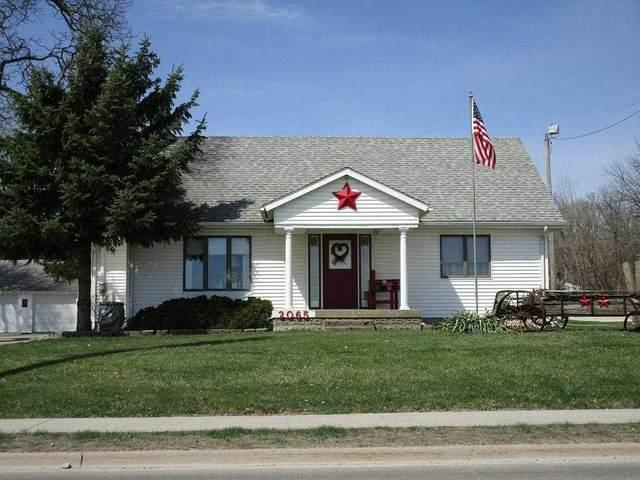 2065 Logan, Waterloo, IA 50703 (MLS #20212042) :: Amy Wienands Real Estate
