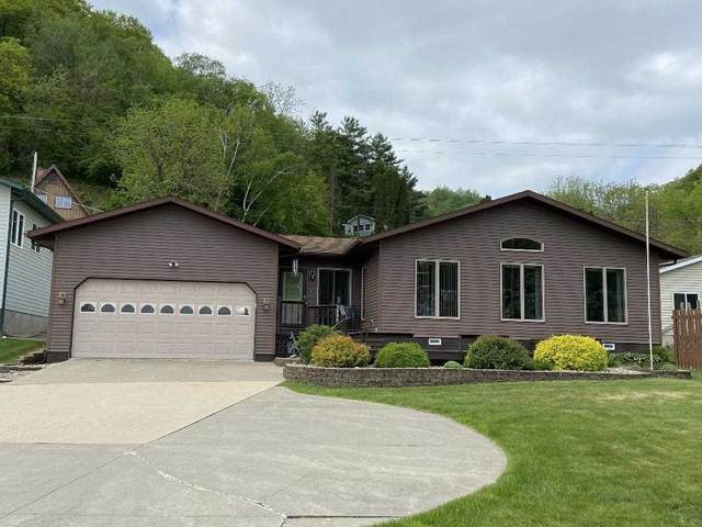 1898 Great River Road, Lansing, IA 52151 (MLS #20212062) :: Amy Wienands Real Estate