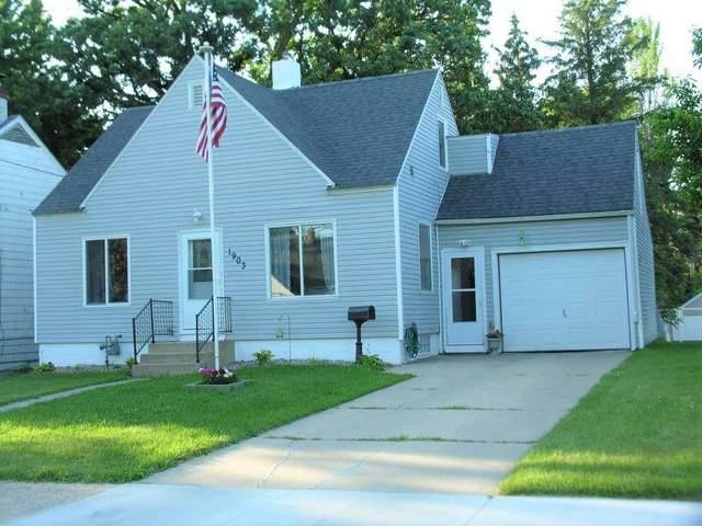 1903 NE 5th Avenue, Austin, MN 55912 (MLS #20212527) :: Amy Wienands Real Estate
