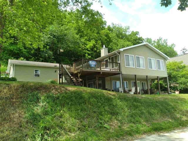 560 Wall Street, Lansing, IA 52151 (MLS #20212541) :: Amy Wienands Real Estate