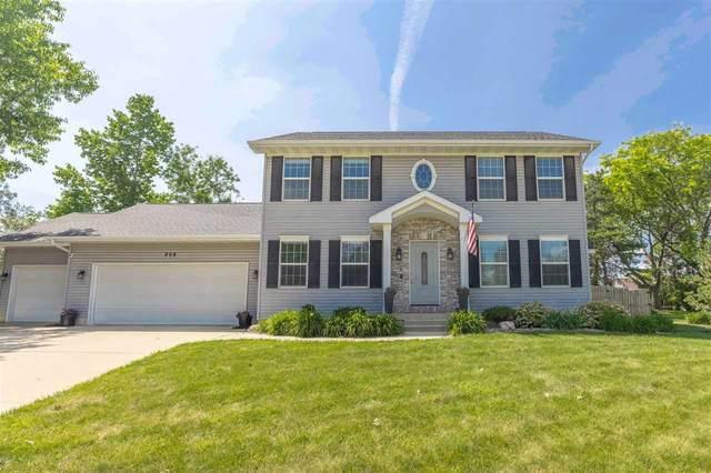 208 N Highland Drive, Cedar Falls, IA 50613 (MLS #20212610) :: Amy Wienands Real Estate