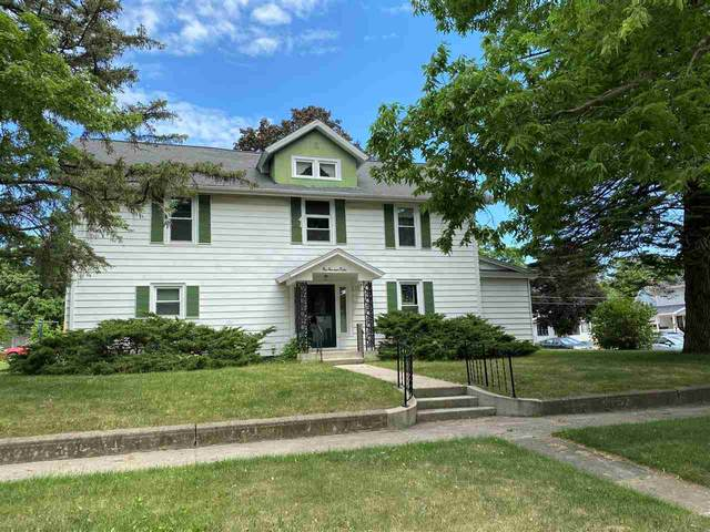 112 E Howard St, Manchester, IA 52057 (MLS #20212631) :: Amy Wienands Real Estate