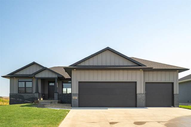 2224 Andy Avenue, Cedar Falls, IA 50613 (MLS #20212632) :: Amy Wienands Real Estate
