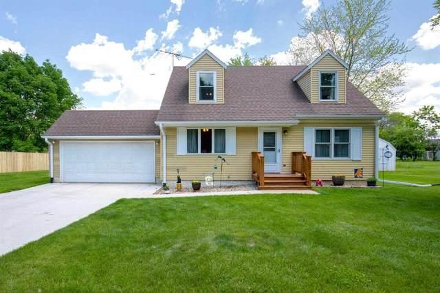 206 Oak Street, Waverly, IA 50677 (MLS #20212653) :: Amy Wienands Real Estate