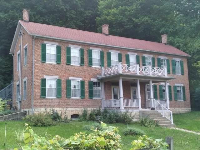 101 NW Oak Avenue, Elkader, IA 52043 (MLS #20213582) :: Amy Wienands Real Estate