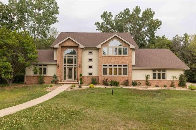 1710 Willow Bend Road, Cedar Falls, IA 50613 (MLS #20213620) :: Amy Wienands Real Estate