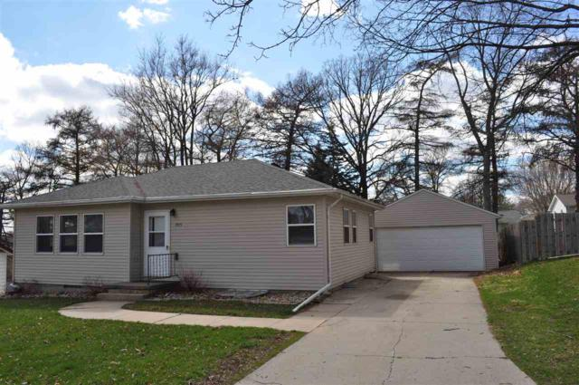 905 4th St Nw, Waverly, IA 50677 (MLS #20191541) :: Amy Wienands Real Estate