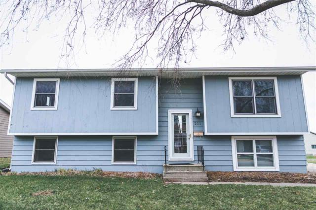211 NW 23rd St, Waverly, IA 50677 (MLS #20191655) :: Amy Wienands Real Estate