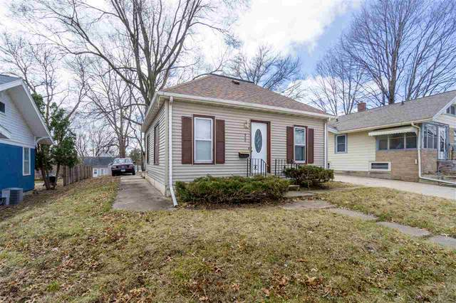 908 W 1st, Cedar Falls, IA 50613 (MLS #20201214) :: Amy Wienands Real Estate