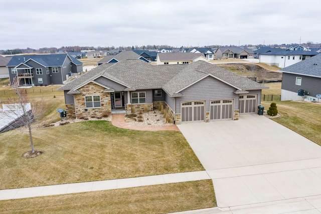 4302 Wild Horse Drive, Cedar Falls, IA 50613 (MLS #20201375) :: Amy Wienands Real Estate
