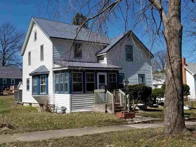 909 Olive Street, Cedar Falls, IA 50613 (MLS #20201476) :: Amy Wienands Real Estate