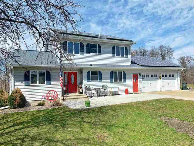1632 Hickory Hill Road, Decorah, IA 52101 (MLS #20201562) :: Amy Wienands Real Estate