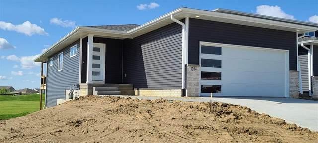 1204 Loren Drive, Cedar Falls, IA 50613 (MLS #20201772) :: Amy Wienands Real Estate