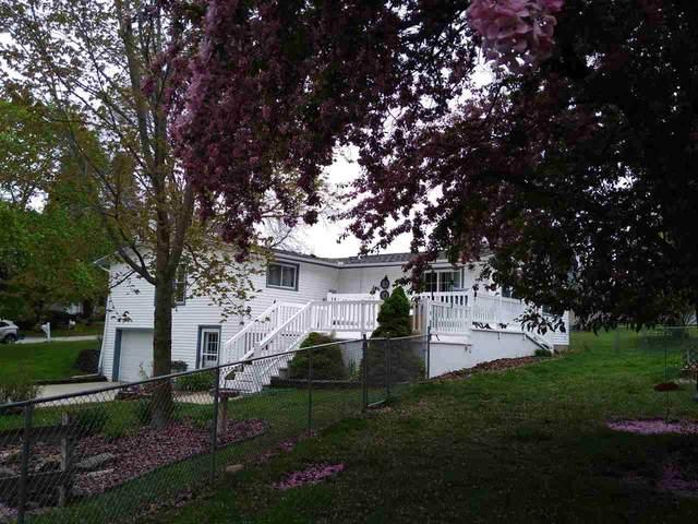 400 Sunrise Boulevard, Decorah, IA 52101 (MLS #20202309) :: Amy Wienands Real Estate