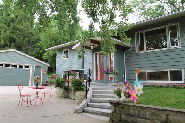 704 North Street, Decorah, IA 52101 (MLS #20203092) :: Amy Wienands Real Estate