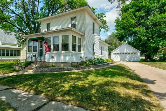 512 NE 3rd Street, Independence, IA 50644 (MLS #20203345) :: Amy Wienands Real Estate