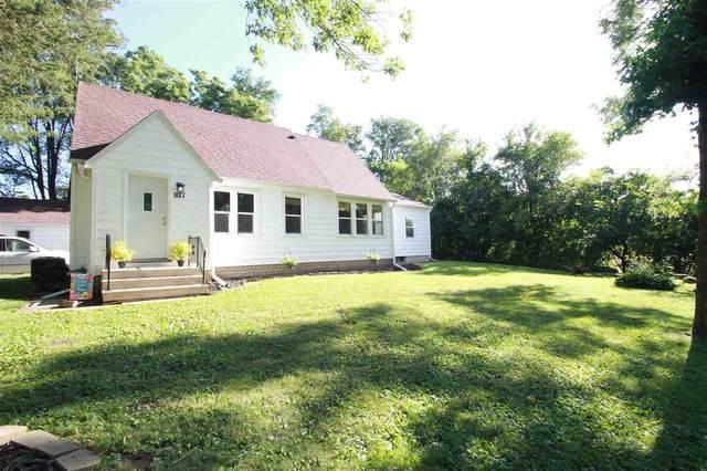 921 Cedar Street, Cedar Falls, IA 50613 (MLS #20203376) :: Amy Wienands Real Estate