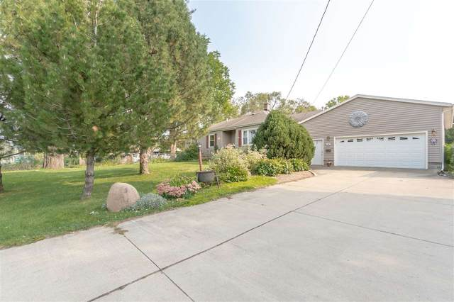 1800 E Ridgeway Avenue, Waterloo, IA 50702 (MLS #20204743) :: Amy Wienands Real Estate