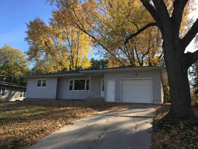 645 Jane Street, Waterloo, IA 50701 (MLS #20205427) :: Amy Wienands Real Estate