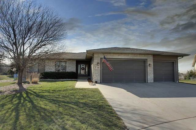 108 Mulligan Circle, Waverly, IA 50677 (MLS #20211138) :: Amy Wienands Real Estate