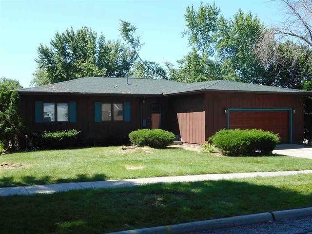 2202 Coventry Lane, Cedar Falls, IA 50613 (MLS #20182526) :: Amy Wienands Real Estate