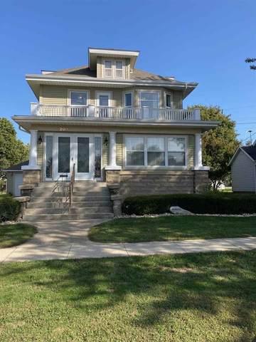 208 W 6th Street, Sumner, IA 50674 (MLS #20204781) :: Amy Wienands Real Estate