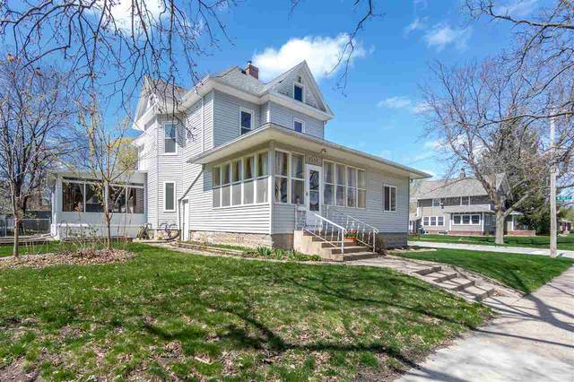 703 Walnut Street, Cedar Falls, IA 50613 (MLS #20211459) :: Amy Wienands Real Estate