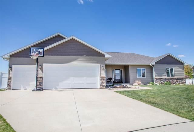 5401 Celtic Court, Cedar Falls, IA 50613 (MLS #20211903) :: Amy Wienands Real Estate