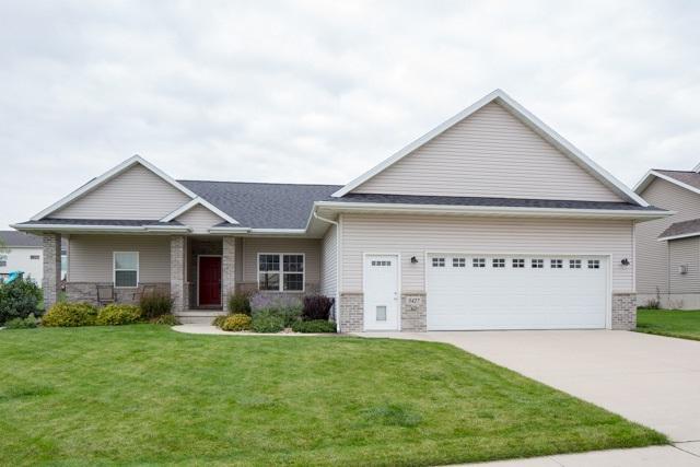 5427 Hedgewood Circle, Cedar Falls, IA 50613 (MLS #20180258) :: Amy Wienands Real Estate