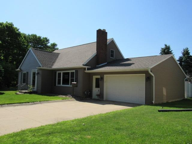 303 W Buckeye Street, Monticello, IA 52310 (MLS #20183073) :: Amy Wienands Real Estate