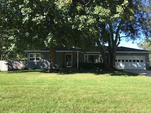 4004 Scenic Drive, Waterloo, IA 50701 (MLS #20185500) :: Amy Wienands Real Estate