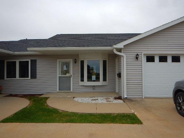 209 E Ridge Street, Readlyn, IA 50668 (MLS #20186046) :: Amy Wienands Real Estate